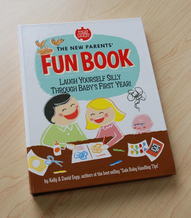 Baby's New Parents' Fun Book. En anglais, pour dédramatiser et rire de cette fatiguante première année de bébé. Mon favori : les stickers rigolos et tendres à coller sur la couche de bébé à l'attention de la prochaine personne qui le changera