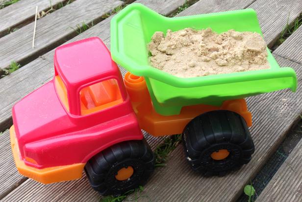 Camion bac à sable