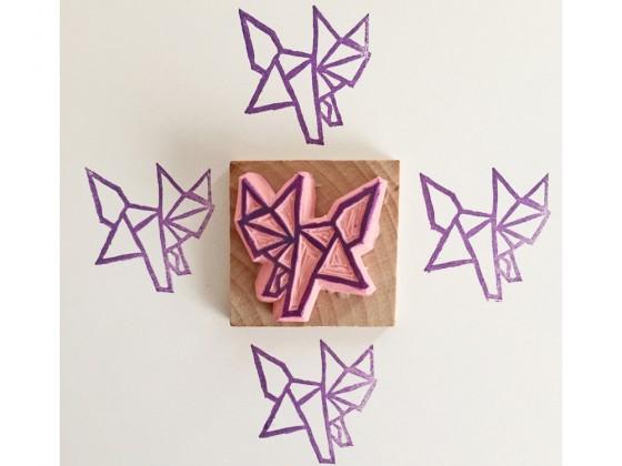 Tampon gravé à la main par Kraftille. Renard origami
